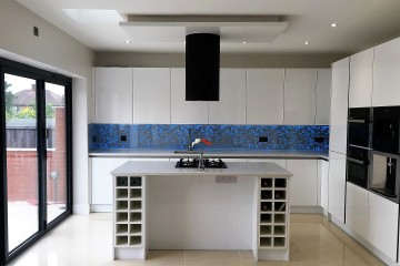 Edge-Lit Splashback - Floral Work