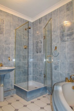 Made to Measure Shower Enclosurre - with Gold Fixings